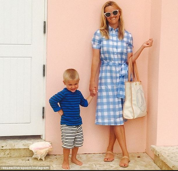 Reese-Witherspoon-Draper-James-Gingham-dress