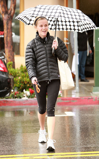 Reese Witherspoon Patagonia puffer jacket