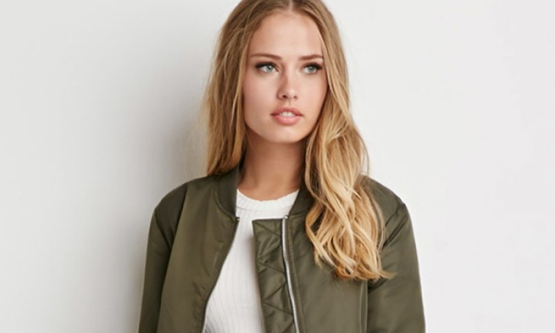 model-bomber-jacket1
