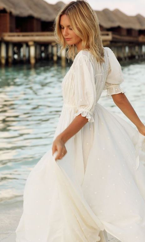 White-resort-holiday-dresses